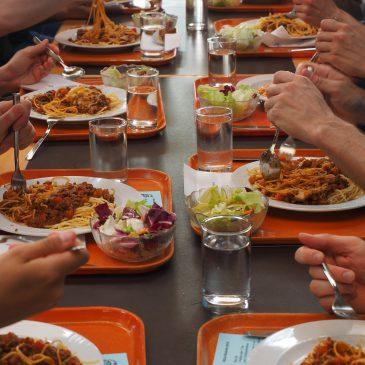Jusos Saar fordern gebührenfreies Mittagessen für alle Kinder im Saarland